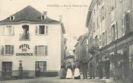 "/ CPA FRANCE 38 ""Morestel, Rue De L'hôtel De Ville"" - Morestel"