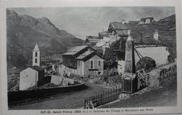 Saint Véran : Intérieur Du Village Et Monument Aux Morts - France