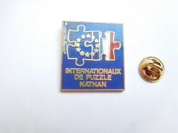 Beau Big Pin's En Zamac , Jeu Jouet , Internationaux De Puzzle Nathan - Jeux
