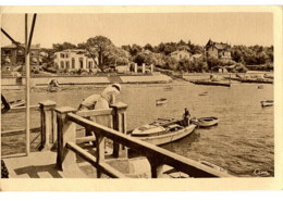 CPA  (Réf : Q 766) LE MOULLEAU (33 GIRONDE) Vue Sur Les Villas (animée) - Frankrijk