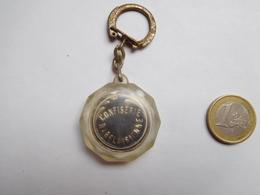 Beau Porte Clés , Confiserie Rabelaisienne , Chanteur Adamo , Tours - Porte-clefs