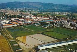 63) ISSOIRE : Vue Générale Aérienne : Les Stades (1976) - Issoire