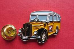 Pin's,Car,Bus,PTT, SAURER,P93,Oldtimer,Postauto,Suisse - Transports