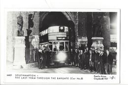 21674 - London Southampton The Last Tram Through The Bargate Car N° 9 Pamlin Prints Croydon 1957 - London