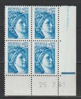 YT 2156a ** 2,30F Bleu Sabine, Coin Daté Sans BP+ Trainée Bleue Dans La Marge - Errors & Oddities