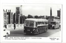 21685 - London Private Tour Coach Bus Lambeth Bridge Pamlin Prints Croydon Platform One Fulham Road London - London