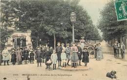 HOUILLES - Avenue De La République. - Houilles