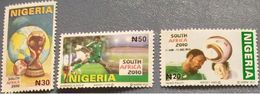 Nigeria 2010 World Cup Football 3v Mint - Nigeria (1961-...)