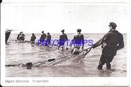 109131 LETONIA LATVIA RIGAS COSTUMES FISHERMAN BREAK POSTAL POSTCARD - Lettonie
