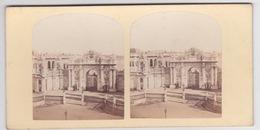 Stereoscopische Kaart.    Constantinople.  Grand Porte D'entrée Du Nouveau Palais Du Sultan - Cartes Stéréoscopiques
