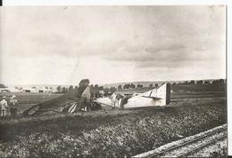 Photo - Thème Aviation - Guerre - Valdelaincourt - Meuse  - Accident D'avion ?? -Scène De Guerre - Aéroplane - Aviation