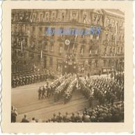 NSDAP - Gau Hamburg - Aufmarsch Von Angehörigen Der NSDAP In Hamburg Am 17. August 1934 - Reichsarbeitsdienst (RAD) - Guerre, Militaire