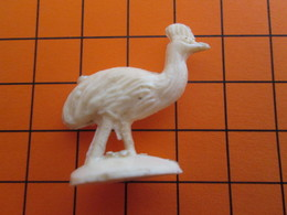 319b Figurine Publicitaire Années 50/60 EMEU CASOAR , Demi Ronde-bosse , Plastique Dur Couleur Ivoire - Pájaros