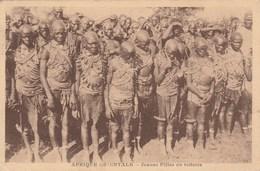 AFRIQUE ORIENTALE Jeunes Filles En Toilette 665K - Afrique