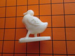 319b Figurine Publicitaire Années 50/60 OISEAU CANE CANARD , Ronde-bosse , Plastique Dur Couleur Ivoire - Birds