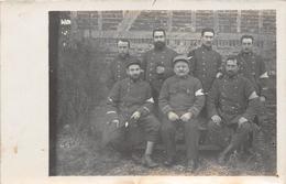 ¤¤  -   Carte-Photo Non Située  -  Groupe De 7 Soldat   -  Croix Rouge    -  ¤¤ - Régiments