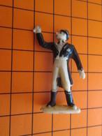 319c Figurine Publicitaire Années 50/60 CIRQUE NADI DRESSEUR , Ronde-bosse , Plastique Dur Couleur Ivoire - Figurines