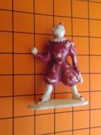 319c Figurine Publicitaire Années 50/60 CIRQUE NADI CLOWN BLANC , Ronde-bosse , Plastique Dur Couleur Ivoire - Figurines