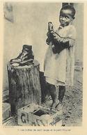 Afrique)  Les Bottes De Sept Lieues Et Le Petit Poucet ( Cireur De Chaussure  ) - Centrafricaine (République)