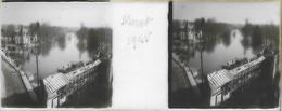 Plaque De Verre Stéréoscopique Positive - Année 1945 - Moret Sur Loing - Panorama Pris De La Porte De Bourgogne - Plaques De Verre