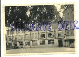 Pensionnat Des Soeurs De Marie. Glons NELS  Thill. Vue Sur La Cour De Récréation - Ecoles