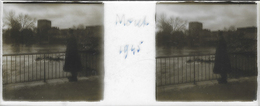 Plaque De Verre Stéréoscopique Positive - Année 1945 - Moret Sur Loing - Le Loing - Le Donjon - Plaques De Verre