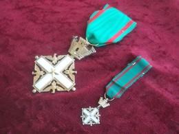 Croce Cavaliere Ordine Al Merito Della Repubblica Italiana + Mignon - Italia