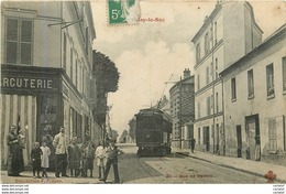 93.  NOISY LE SEC .  Rue De Pantin . CPA Animée . - Noisy Le Sec