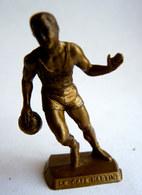 FIGURINE PUBLICITAIRE CAFE MARTIN - SPORT - BASKET BALL - Figurines