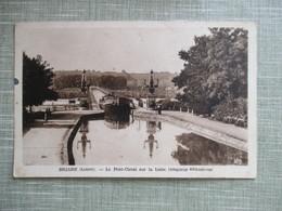 CPA 45 BRIARE PONT CANAL SUR LA LOIRE PENICHE - Briare