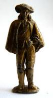 FIGURINE PUBLICITAIRE MOKAREX - COSTUMES MILITAIRES - - 3 MOUSQUETAIRES  GARDE DE RICHELIEU - Figurines