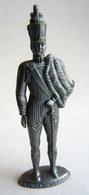 FIGURINE PUBLICITAIRE MOKAREX - COSTUMES MILITAIRES - COLONEL DE HUSSARD - Figurines