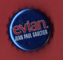 """CAPSULE, MUSELET . """" EAU MINÉRALE D'ÉVIAN . JEAN-PAUL GAULTIER - Réf. N°67PN - - Kronkorken"""