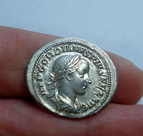 Monnaie, Gordian III Denarius - 5. L'Anarchie Militaire (235 à 284)