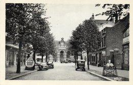 CAMBRAI- Cp Glacée Avenue De La Gare Et Hotel Restaurant Du Mouton Blanc/ Café Albert - Cambrai