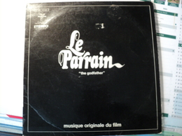 BANDES ORIGINALES DE FILMS. LOT D UN 33 TOURS  ET DE SIX 45 TOURS. 1962 / 1988  LE PARRAIN / COCKTAIL / LES UNS ET LES - Filmmusik