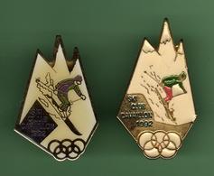 JO 1992 *** SKI CLUB CAVAILLON *** Lot De 2 Pin's Differents *** 0020 - Olympische Spelen