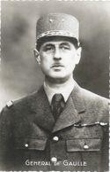 Portrait Du Général De Gaulle (tenue Militaire) - Carte-photo Non Circulée - Politieke En Militaire Mannen