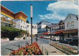 Capvern-les-Bains: PEUGEOT 304 COUPÉ, RENAULT 4, SIMCA 1100, MATRA BAGHEERA - Le Centre De La Station - Toerisme