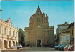 Montastruc La Conseillere: VOLVO 145, RENAULT 5, 16, PEUGEOT 305 - Place De La Mairie - (Haute-Garonne) - Toerisme