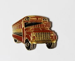 Pin's Autobus School Bus - R41/nat - Pins