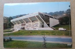 LONGWY - Le Hall Des Sports - Voiture Citroen Ami 8 ( 54 Meurthe Et Moselle ) - Longwy