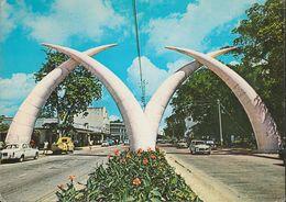 Kenia - Mombasa - Giant Tusks - Cars - Peugot - Nice Stamp - Kenia