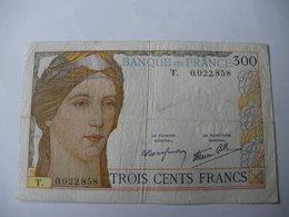 BILLET 300 F 09/02/1939 FAY 29/3 LETTRE T - 1871-1952 Antiguos Francos Circulantes En El XX Siglo