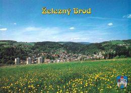 1 AK Tschechien * Blick Auf Die Stadt Železný Brod (deutsch Eisenbrod) In Nordböhmen Mit Wappen - Luftbildaufnahme * - Tchéquie