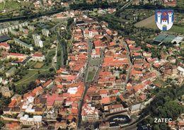 1 AK Tschechien * Blick Auf Die Stadt Žatec (deutsch Saaz) - Mit Wappen - Luftbildaufnahme * - Tchéquie