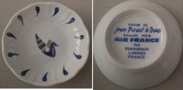Coupelle Ø 7.5 Cm. Décor De Jean Picart Le Doux Réalisé Pour Air France - Limoges (FRA)