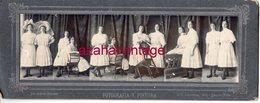 PHOTO MONTAGE SURREALISME,les Mêmes Soeurs Dans Six Positions Différentes, 28x11 Cms - Ancianas (antes De 1900)