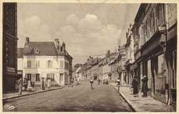 ETREPAGNY  (Eure) Rue Georges Clemenceau Commerces RV - Autres Communes