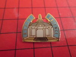 413e Pin's Pins / Rare Et De Belle Qualité / SPORTS : ASPTT VALENCE KIOSQUE GLORIETTE Du Mans - Pin